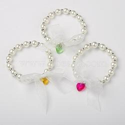 Rondes acryliques perles enfants s'étendent bracelets, avec des perles en verre de coeur et ruban, de couleur métal platine , couleur mixte, 45mm(BJEW-JB01389)