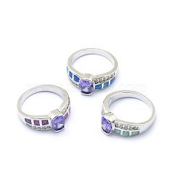 Bagues avec zircon cubique, avec opale synthétique et accessoires en laiton, Plaqué longue durée, ovale, taille 7, mauve, platine, 17.5mm(RJEW-O028-03P)
