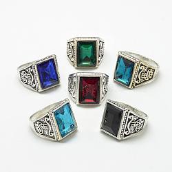 bagues à large bande en verre, avec des résultats d'anneaux d'alliage, facettes, rectangle, argent antique, taille 7~11, couleur mélangée, 17~21 mm(RJEW-T003-15G)