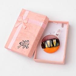 Main dichroïques pendentifs en verre de boîte emballée, un demi-rond pendentif murano avec couleur aléatoire boîte de collier en carton exquis, orange, 29~31x11.5~12.5mm, Trou: 5~7mm(DICH-X039-04)